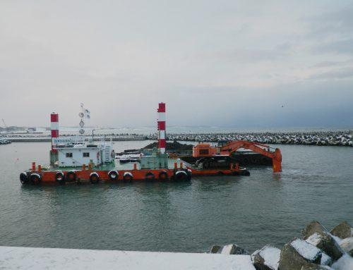 浜鬼志別漁港 水産流通基盤整備工事 (浚渫)